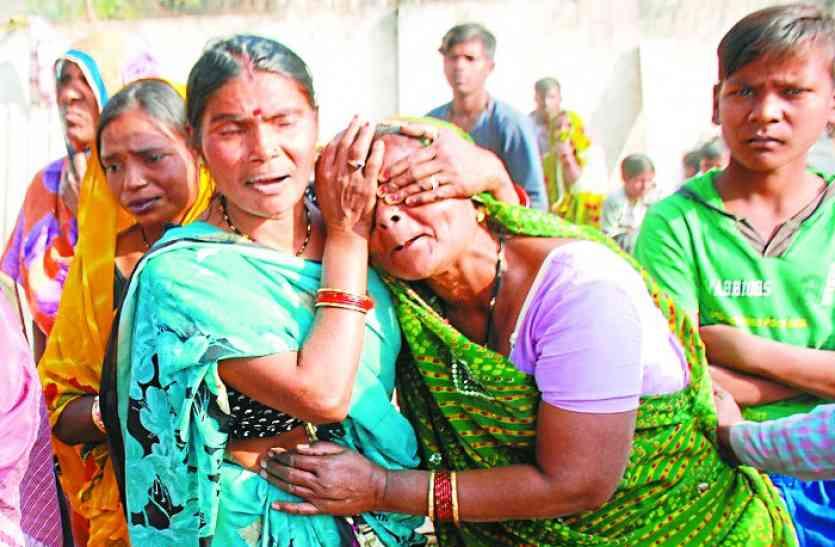 VIDEO: जड़ेरुआ रोड पर चला प्रशासन का हथौड़ा, 20 साल से जिन आशियानों में था 100 परिवारों का बसेरा,5 घंटे में उजाड़ दिया