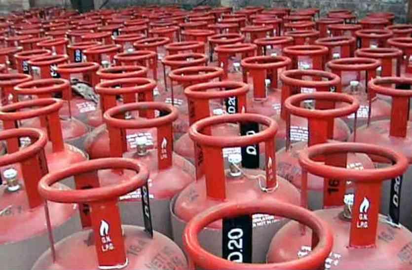 जीएसटी ने बढ़ाई घरेलू गैस की चोरी,देखिए इस तरह है सरकार को चपत