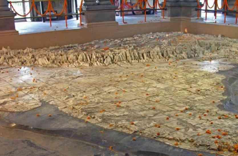 काशी में स्थित है भारत माता मंदिर का अलौकिक मंदिर, दूर-दूर से दर्शन को आते हैं लोग