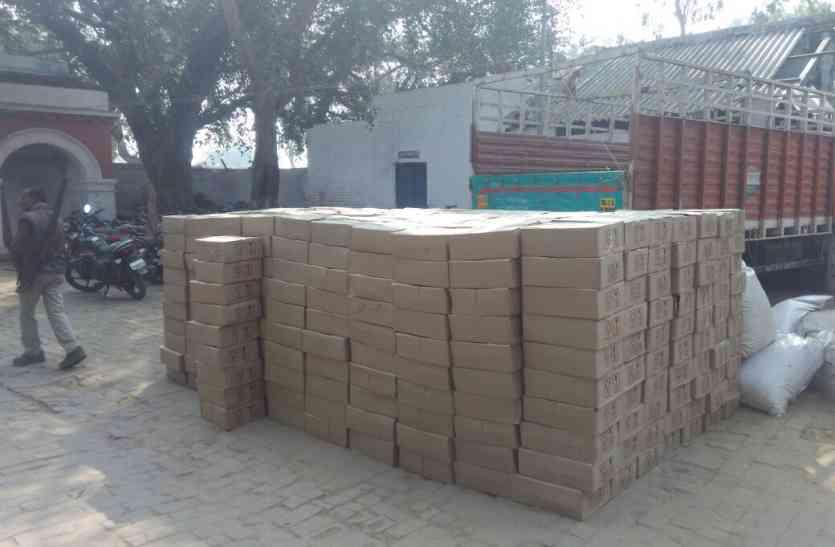 जसराना पुलिस ने चेकिंग के दौरान पकड़ी 25 लाख की देशी शराब