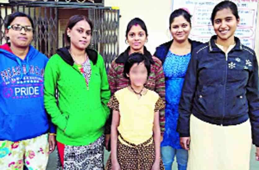 Chhattisgarh Human Story: भारत की अनाथ बच्ची को सात समंदर पार मिला आशियाना