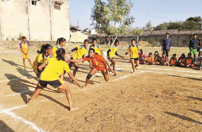 महिला पुलिस टीम ने जीता फाइनल का रोमांचक मैच