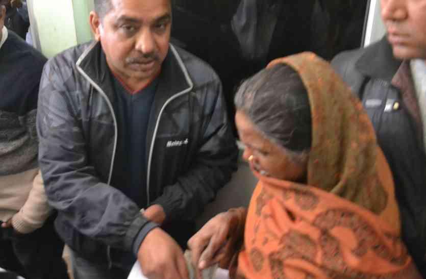 अलवर में भाजपा नेता द्वारा पैसे दिए जाने के मामले में अब आई बड़ी खबर, मचा हड़कंप
