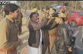 JK पुलिस का नायाब तरीका, चालान काटने के बदले देती है फ्री में हेलमेट