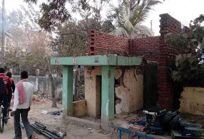 नगर निगम पार्क में मंदिर निर्माण