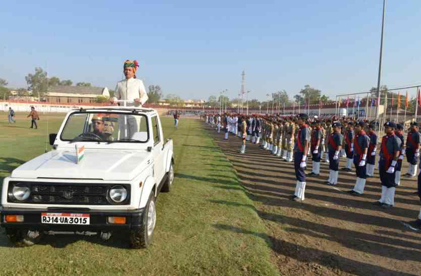 उदयपुर में गणतंत्र दिवस पर सब पर चढ़ा देशभक्ति का रंग, संभागीय आयुक्त ने फहराया तिरंगा, आयोजनों की रही धूम