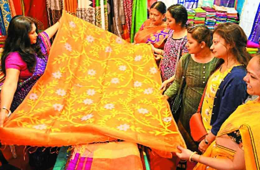 शिल्प प्रदर्शनी सिल्क इंडिया की शुरुआत