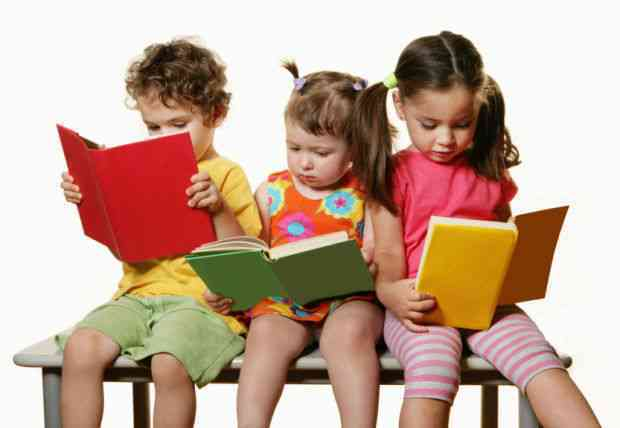 teach-children-to-be-friends-with-books