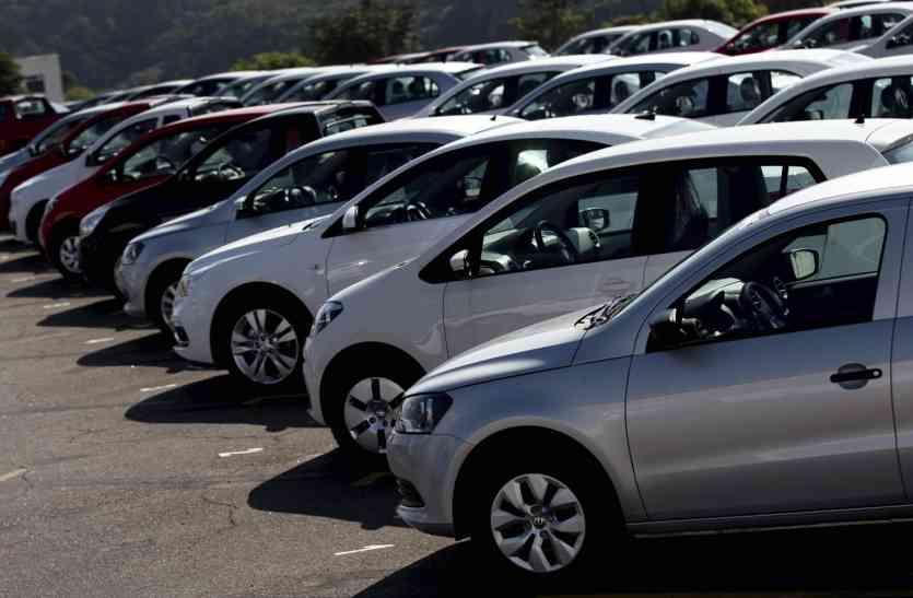 बजट से पहले सरकार का बड़ा तौहफा, GST दरें घटने से सस्ती हुई पुरानी कारें