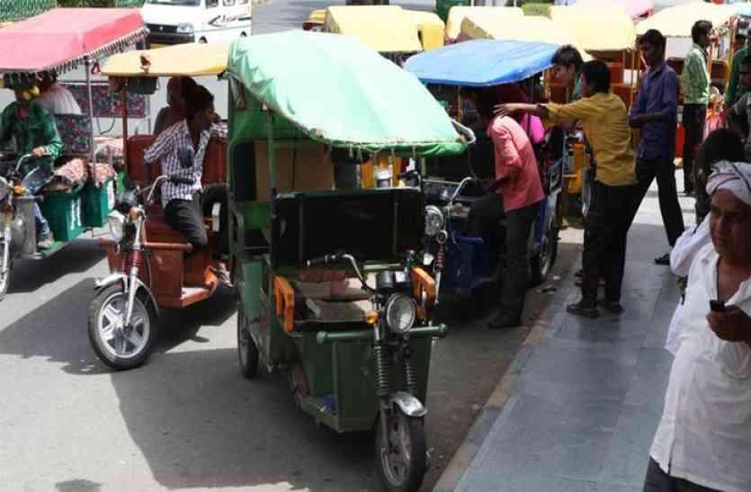 Special report: शहर में बिना रजिस्ट्रेशन दौड़ रहे हैं ई-रिक्शे, ये आंकड़े दे रहे गवाही