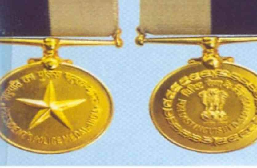 तीन वरिष्ठ पुलिस अधिकारियों को विशिष्ट सेवा के लिए राष्ट्रपति पदक