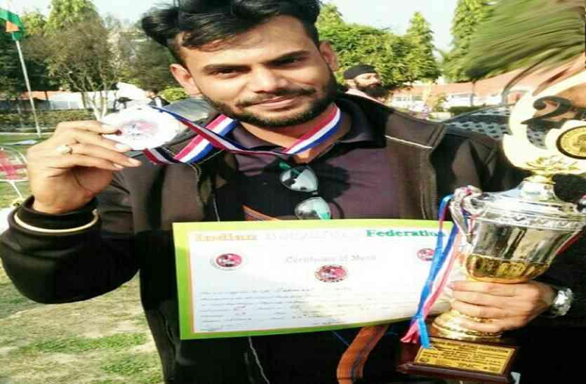 प्रतापगढ़ के निश्चल ने सबसे कम उम्र में जीता मिस्टर इंडिया का खिताब