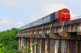 बजट 2018: रेल बजट क्यों हुआ आम बजट के साथ मर्ज, जानिए रेल बजट से जुडीं अनोखी बात