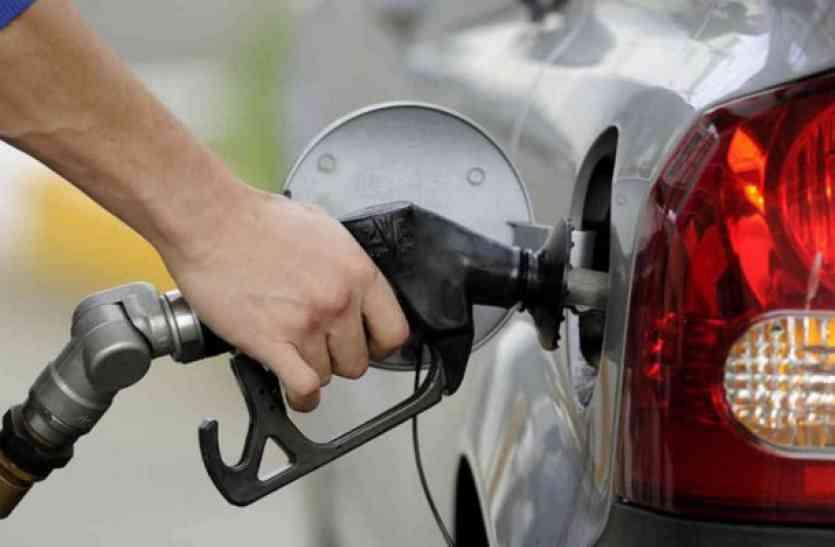 स्पीड से बढ़ रहे डीजल-पेट्रोल के दाम, जानें क्या हैं रेट
