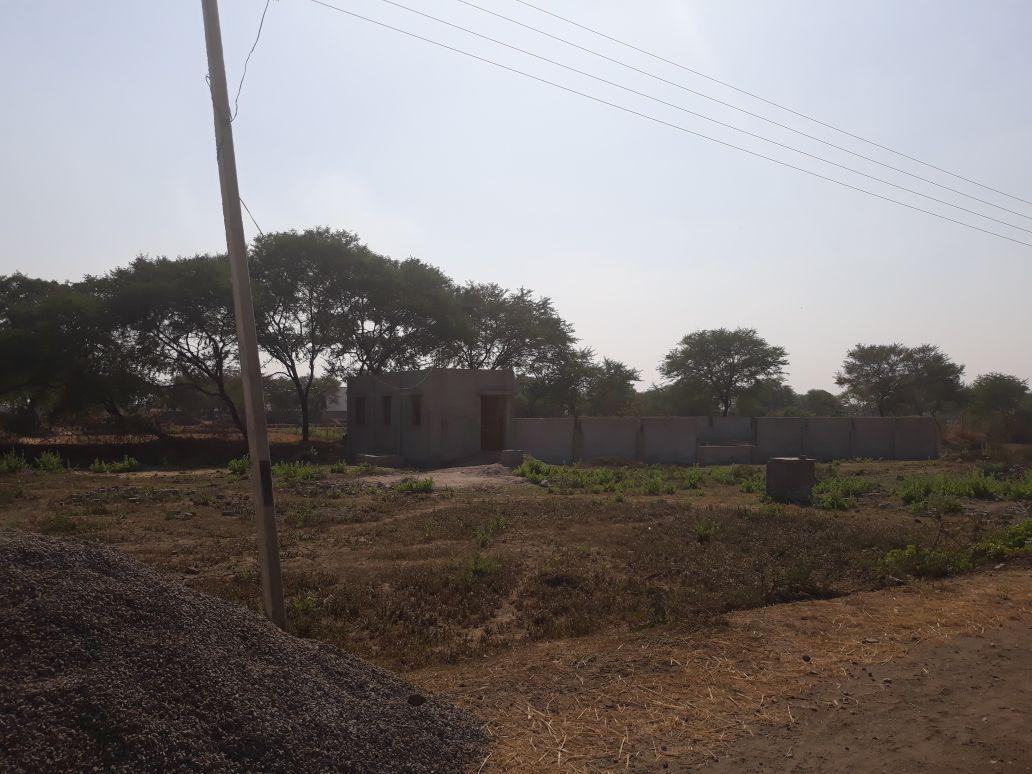 दो गांवों में से एक के लोगों का कहना कि यहां चरागाह है, दूसरे वाले बोले- श्मशान की भूमि सिर्फ हमारी है