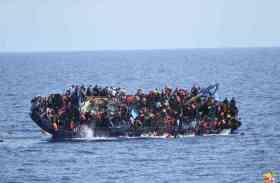 लीबिया: पाकिस्तानी नागरिकों को ले जा रही नाव डूबी, 90 के डूबने की आशंका