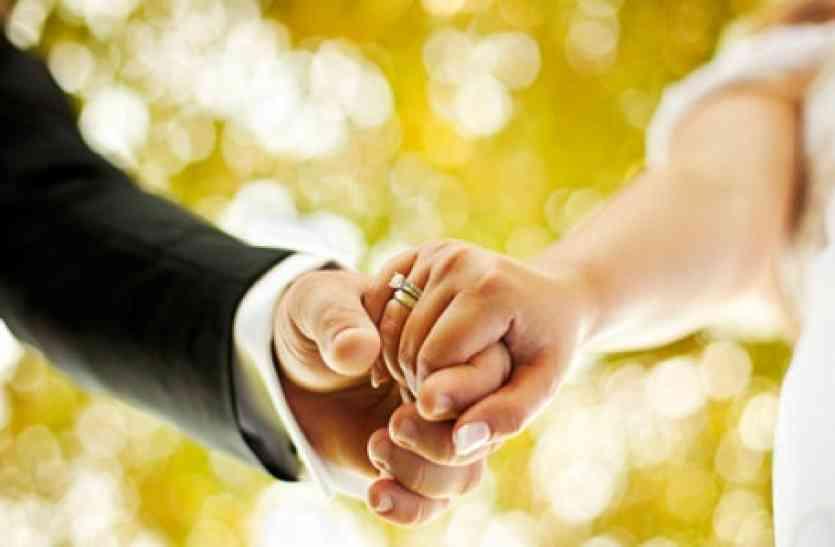 ससुराल वालों ने शादी से किया इंकार तो दुल्हन ने लाद दिया सोने से दुल्हें को