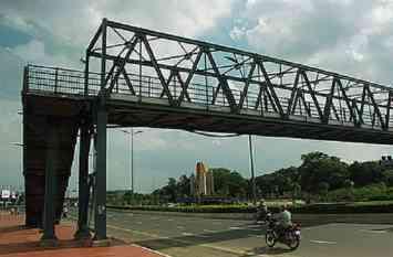 कोलकाता के चिंगड़ीघाटा में बनेगा दो फुट ओवरब्रिज