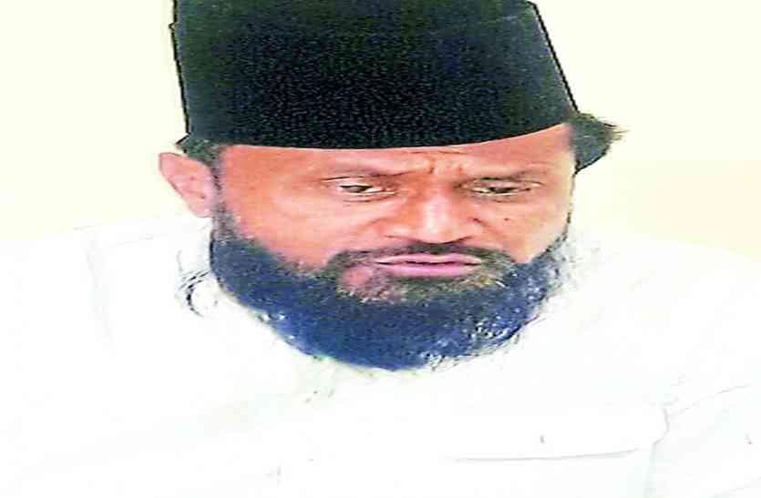 कौमी इतेहाद मोर्चा के राष्ट्रीय अध्यक्ष बलियावी बोले...तलाक में भी इमाम व मोतबिर को बुलाओ ताकि यह टल पाए, तीन तलाक को बताया अत्याचार का बिल
