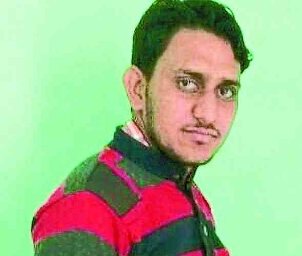 man died due to current while charging mobile in alwar
