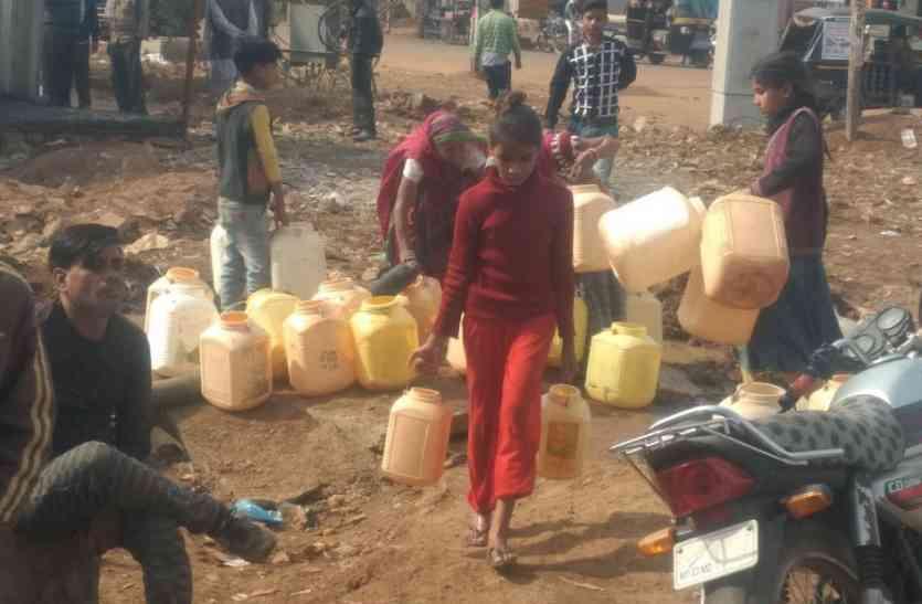 गंदा पानी पीने को मजबूर शहरवासी