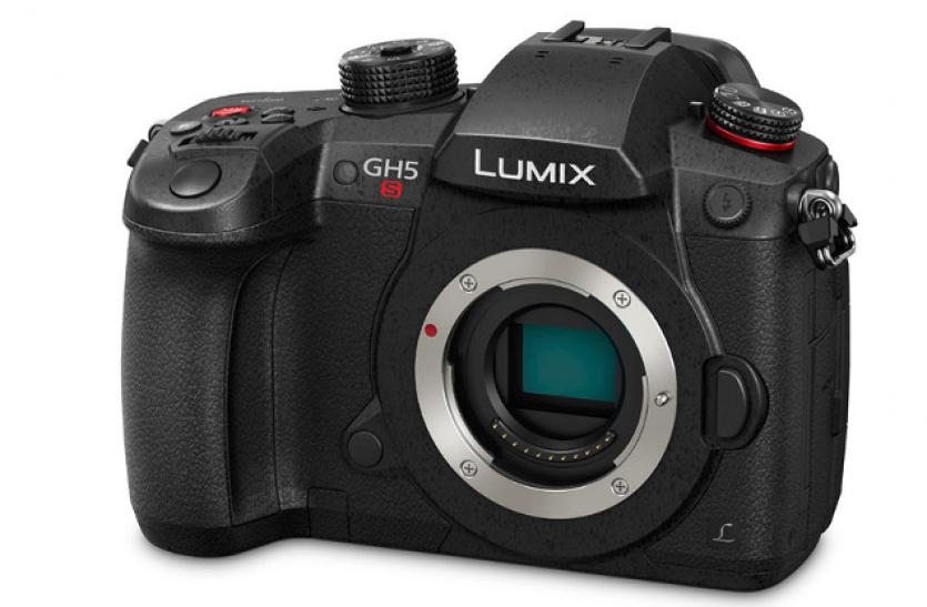 पैनासोनिक ने लॉन्च किया दुनिया का पहला सिनेमा 4K वीडियो रिकॉर्डिंग कैमरा