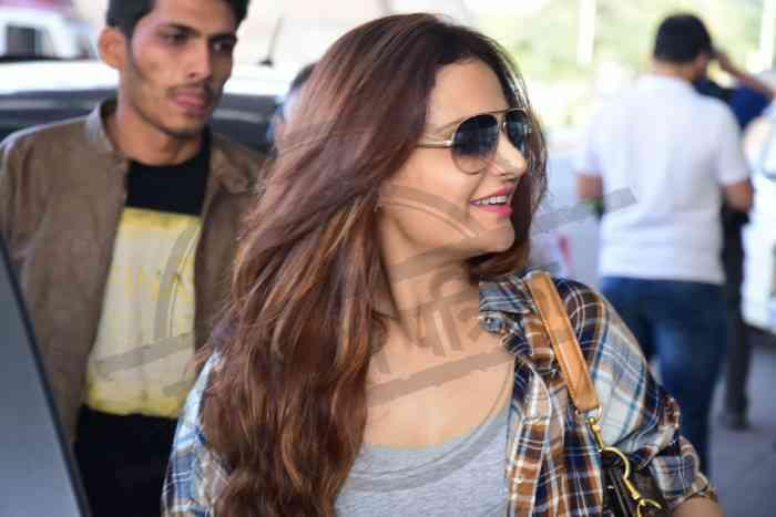 Monika Bedi in Jaipur Airport
