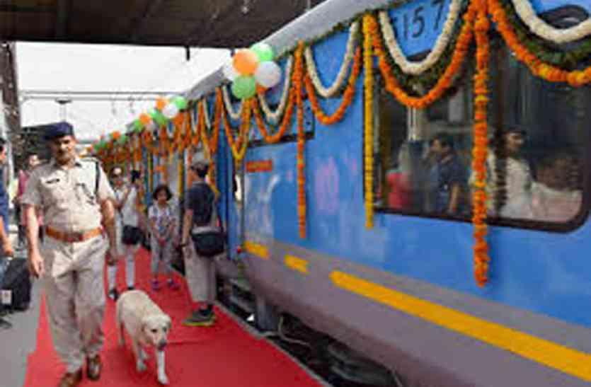 अब देश की सबसे तेज रफ्तार ट्रेन झांसी तक चलेगी, ये रहेगी टाइमिंग