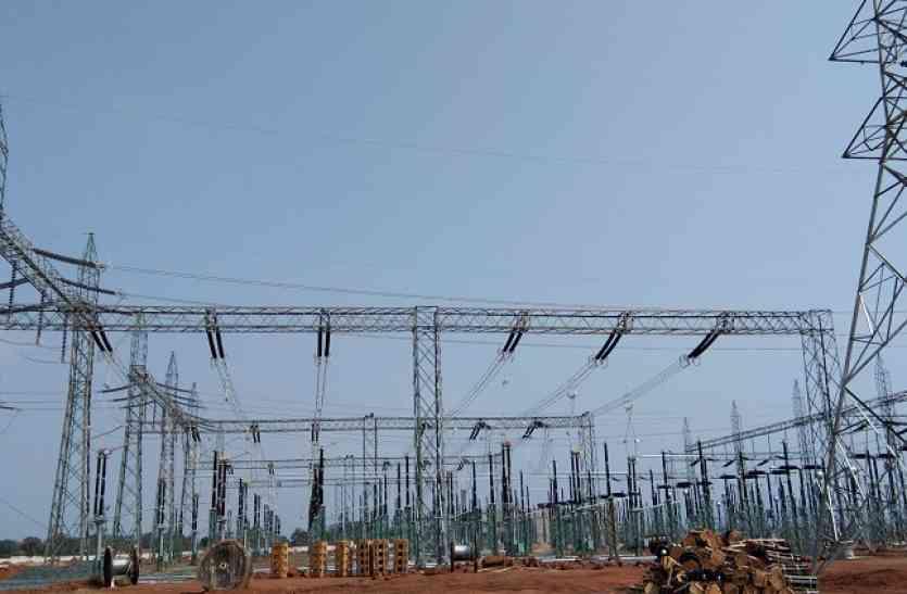 विद्युत टॉवर से गिरने से कर्मचारी की मौत