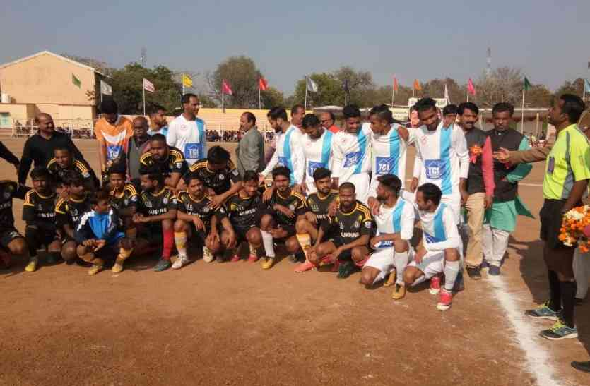 Football : केरला ने तीन से इंदौर को, जम्मू ने चार गोल से छतरपुर को हराया