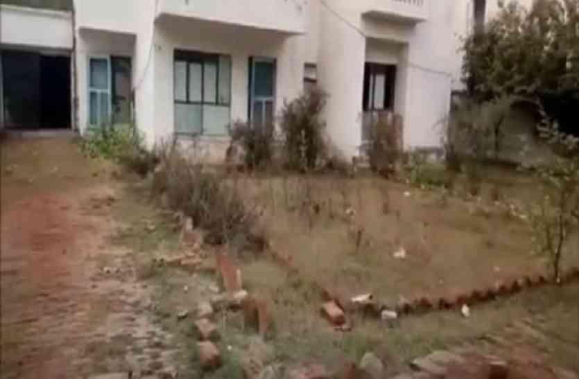 सैफई में लाखों रुपया का बना सीओ आवास साफ-सफाई के अभाव में होता जा रहा है खंडहर तब्दील