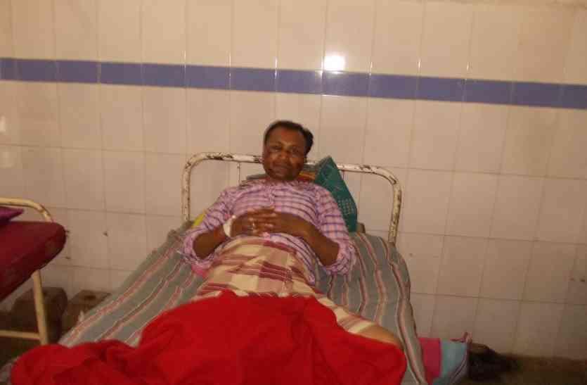 एक व्यक्ति पर हमला कर १६,००० रुपए लूटा