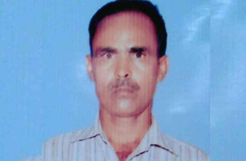दबंगों की धमकी के बाद कर्ज में डूबे किसान ने की आत्महत्या