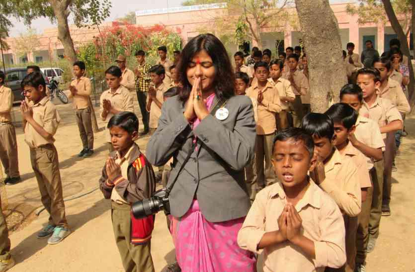 सरहदी गांवों में पहुंची बाल अधिकार अलख यात्रा