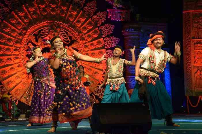 पाली महोत्सव : कलाकारों ने रंगारंग प्रस्तुतियां देकर जीता दिल, समापन पर जुटे हजारों लोग