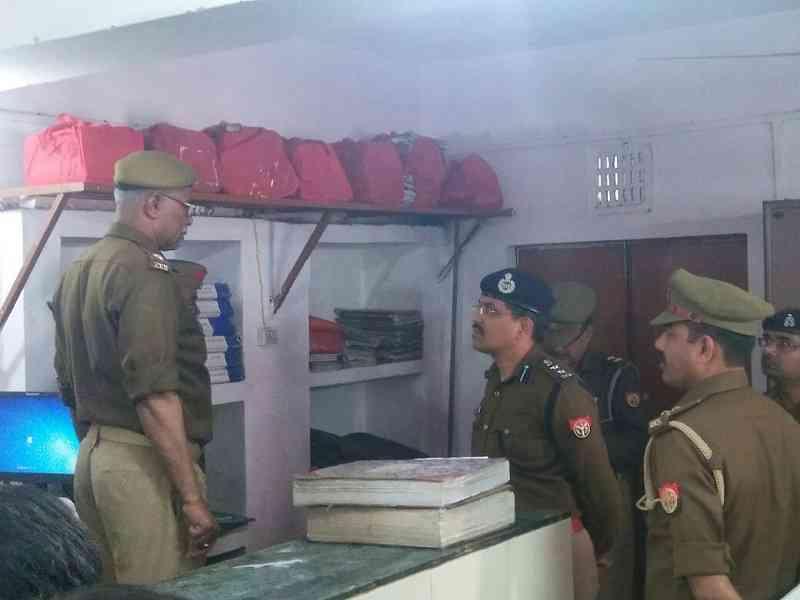एसएसपी आरके भारद्वाज ने लंका थाने का निरीक्षण किया