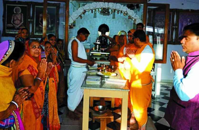 जैन धर्म के 12वें तीर्थंकर भगवान वासुपूज्य का जन्म-तप कल्याणक महोत्सव पर जिनालयों में गूंजे जयकारे
