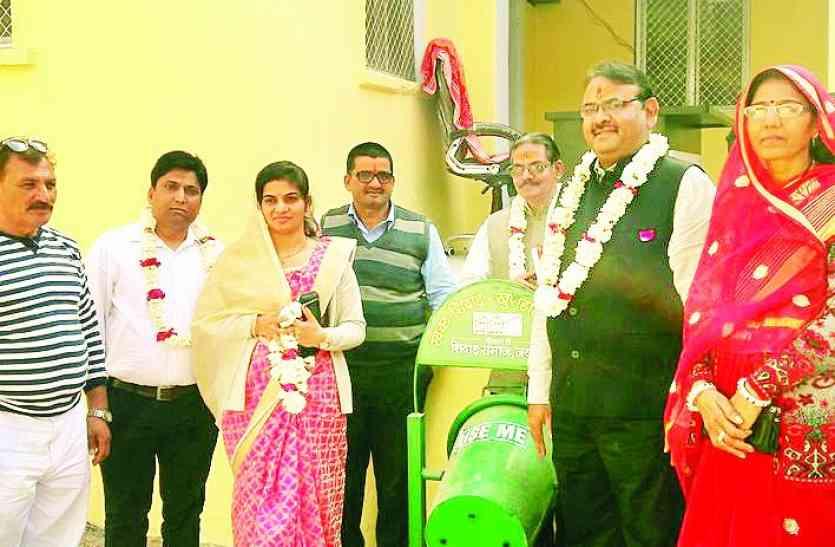 स्वच्छता और खुशहाल शिवाड़ कार्यक्रम आयोजित,कचरा पात्र का किया लोकार्पण