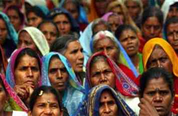 सवर्ण महिलाओं की तुलना में 14 साल पहले मर जाती हैं दलित महिलाएं
