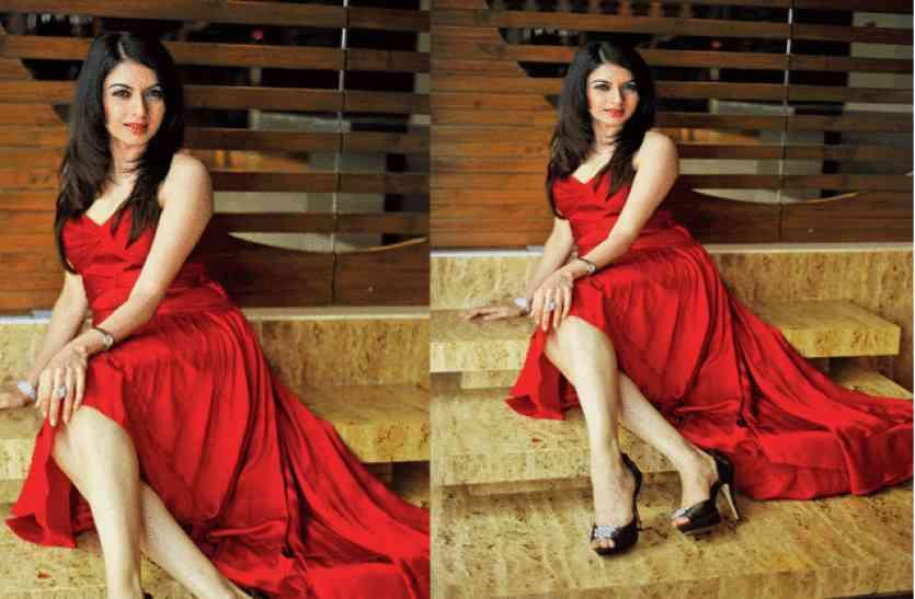 Maine Pyar Kiya Actress Bhagyashree Looking So Beautiful In Age Of 48 -  सलमान की हिरोइन भाग्यश्री आज भी दिखती हैं बेहद ग्लैमरस, 48 की उम्र में हैं  बेटी से ज्यादा खूबसूरत ...