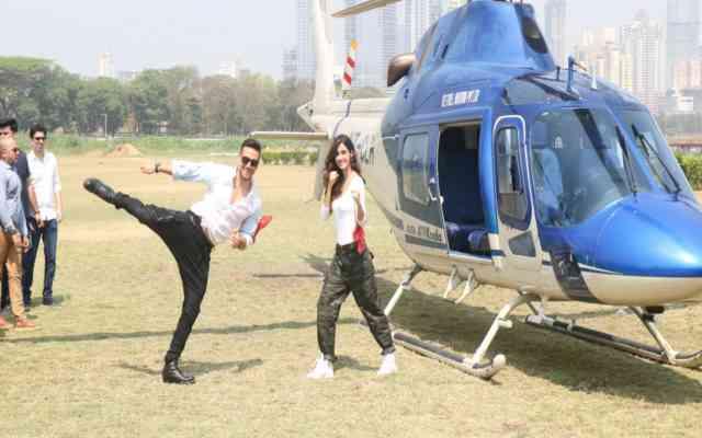 baaghi 2 trailer launch tiger disha came by chopper