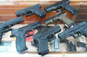 अमरीका: बंदूक खरीदने की न्यूनतम उम्र सीमा बढ़ाने से NRA ने किया इंकार