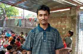 9 साल के बच्चे की करामात चावल बेचकर बना प्रिंसिपल, आगे-पीछे घूमते हैं रिपोर्टर