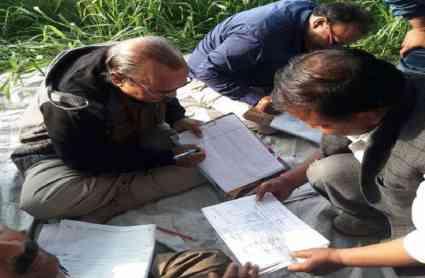 अलीगढ़: योगी राज में Bjp नेता के घर लिखी जा रही थी कॉपियां, प्रबंधक सहित 58 सॉल्वर गिरफ्तार