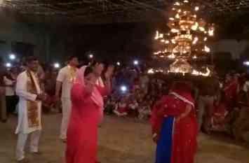 राधा रानी की ननिहाल में चरकुला नृत्य की धूम, देखें वीडियो