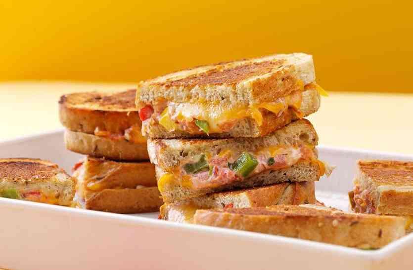 बच्चों को टिफिन में दें मैक्सिकन सैंडविच