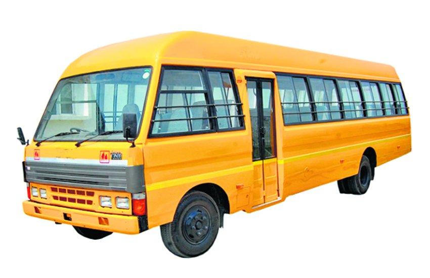 बिना कंडक्टर के चल रहे स्कूली वाहन, हादसे का डर