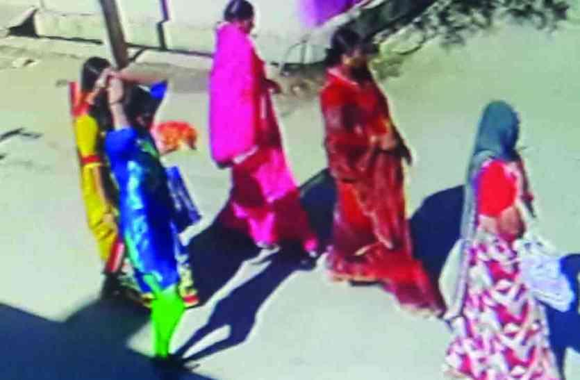 BREAKING : दशामाता पूजती दो महिलाओं को चकमा देकर गले से पार कर ली सोने की चेन और मंगलसूत्र
