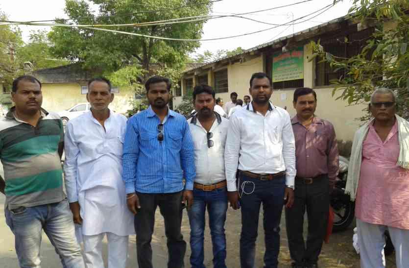 सकपका गए नागपुर से पहुंचे डीजीएम जब ठेकेदारों ने कहा- दीजिए हमारे 4 करोड़