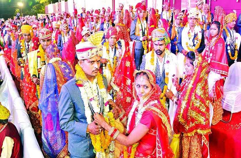 101 जोड़े बंधे विवाह बंधन में, मुख्यमंत्री ने दिया आशीर्वाद